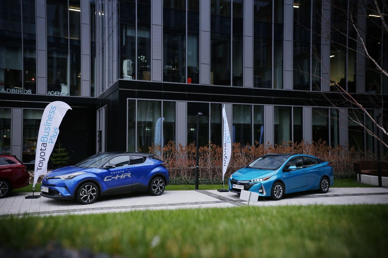 AstraZeneca Pharma Poland Sp. z o.o. wprowadza do swojej floty kilkadziesiąt hybrydowych Toyot