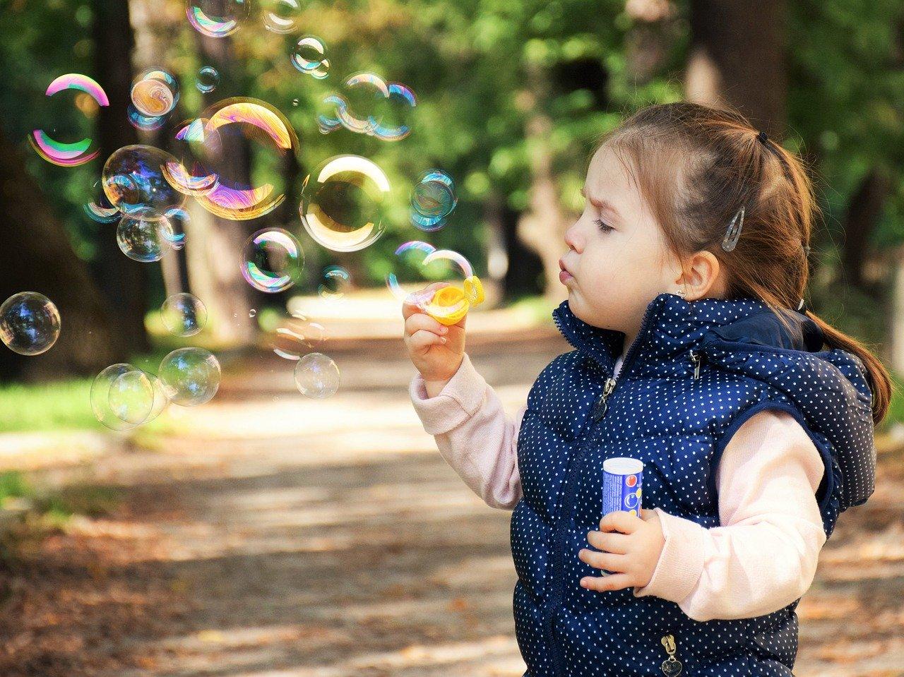 Czy wiesz, jak zadbać o dobre samopoczucie małego dziecka?