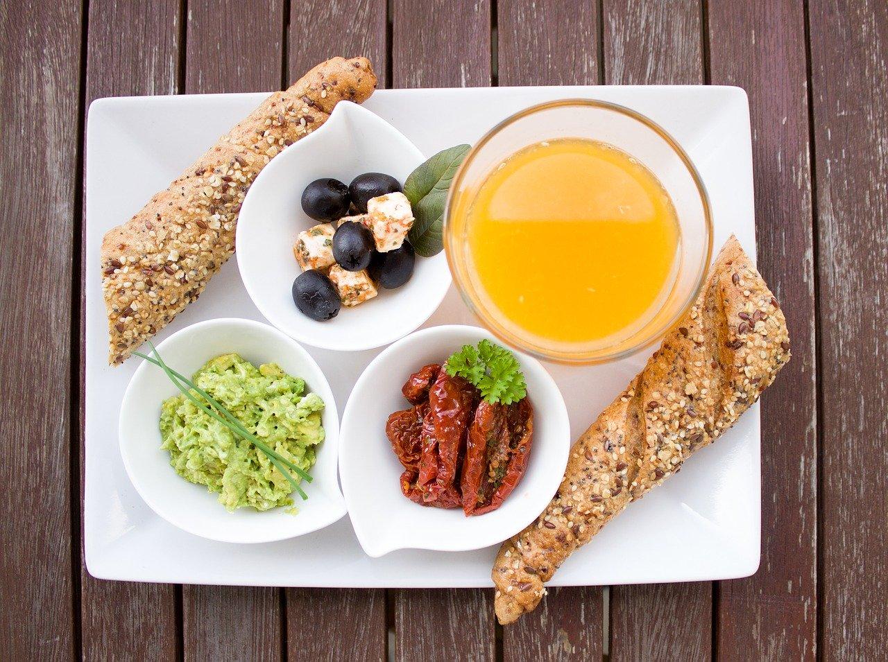 Śródziemnomorskie smaki z pastami warzywnymi Ajvar Podravka