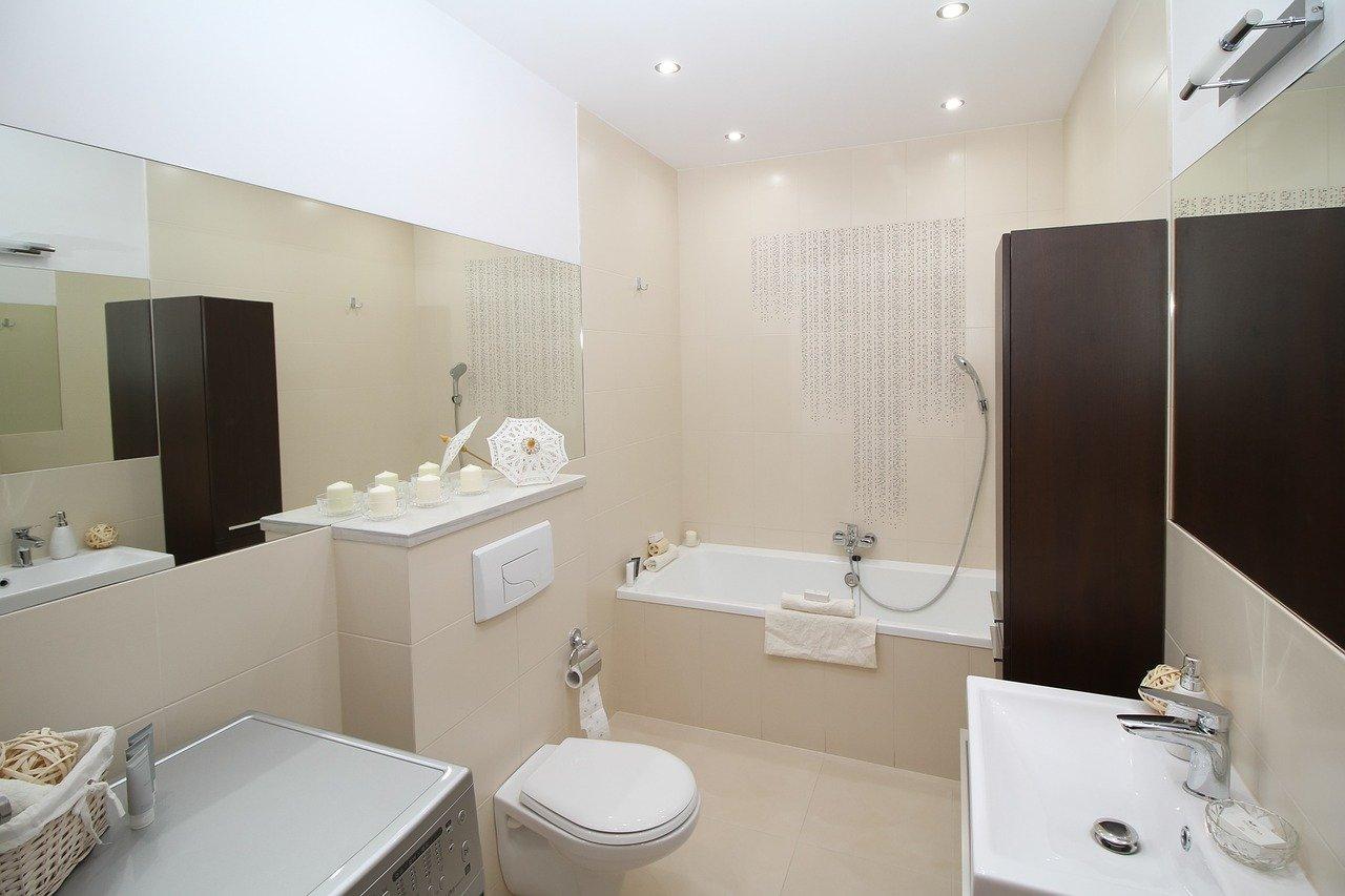 Inteligentna łazienka coraz bardziej zaawansowana. Za pomocą komend głosowych dostosujemy temperaturę wody natrysku czy podniesiemy deskę klozetową