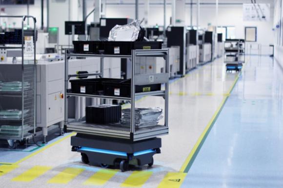 Autonomiczne roboty mobilne w poszczególnych sektorach przemysłu: raport